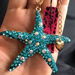 BETSEY JOHNSON~ Starfish Necklace